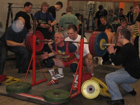 Alexander Petrovich Moiseev.El múltiples veces campeón del mundo de powerlifting